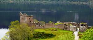 Urquhart Castle in front of Loch Ness